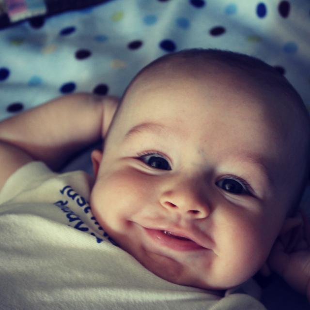 Nguyên nhân trẻ khóc đêm (khóc dạ đề - colic)
