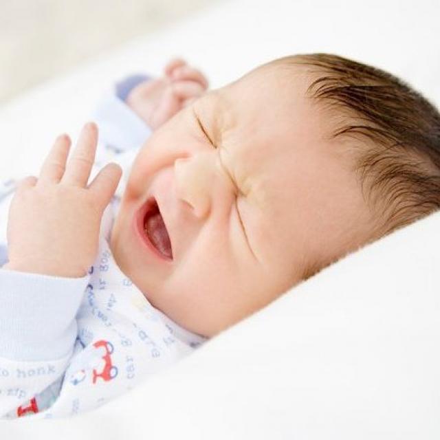 Giải pháp cho khóc dạ đề (colic) ở trẻ sơ sinh