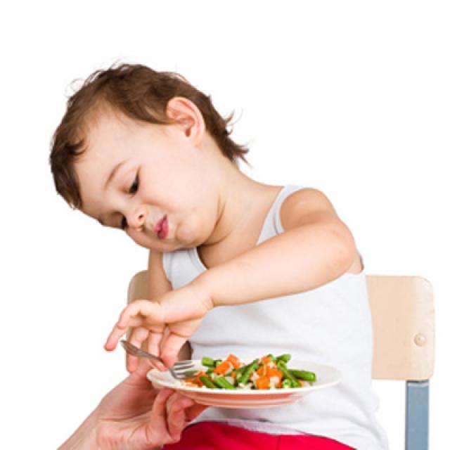 Chế độ ăn uống sinh hoạt giúp trẻ khỏi táo bón