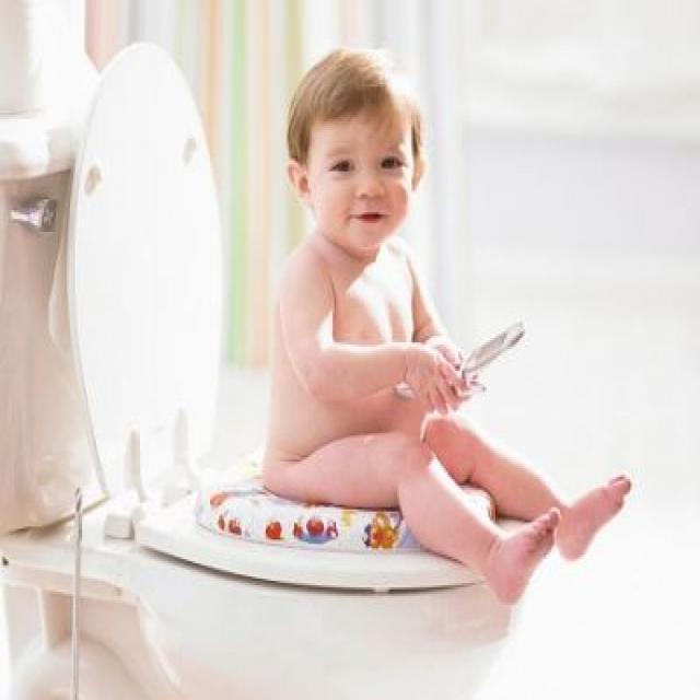 Bơm thụt nhiều có hại cho bé không