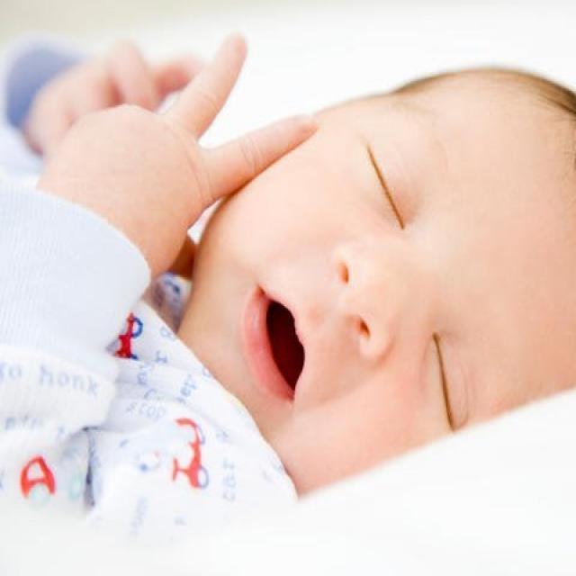 Cùng mẹ chăm sóc giấc ngủ của trẻ sơ sinh