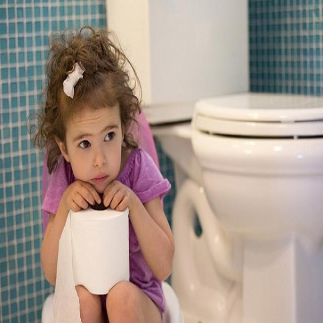 Trẻ em bị táo bón uống thuốc gì cho nhanh khỏi?